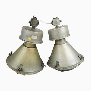 Industrielle polnische Vintage Fabrik Deckenlampen von Predom Mesko, 1980er, 2er Set
