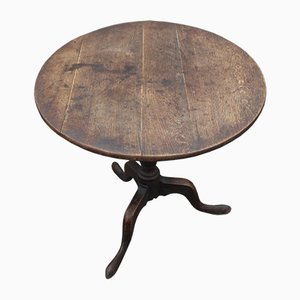 Round Oak Tip-Up Side Table on Tripod Base, 1880s