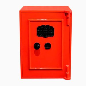 Vintage Safe in Orange von C Price & Co