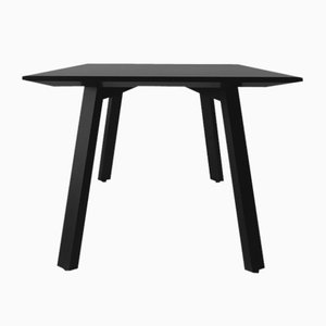 Linear Table by Daniel Vieira for Porventura