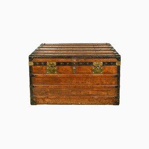 Baule in legno con dettagli in ferro e ottone