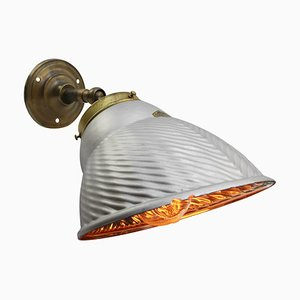 Lampada da parete Mid-Century industriale in vetro, ottone e ghisa di Helioray