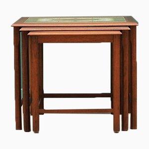 Juego de mesas nido danesas de teca, años 60. Juego de 3