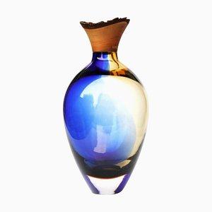 Skulpturale Vase aus geblasenem Glas in Blau & Bernsteingelb von Pia Wüstenberg für Forma