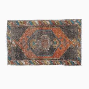 Türkischer Kleiner Vintage Teppich