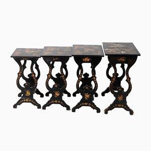 Tavolini a incastro neri laccati, XIX secolo, set di 4
