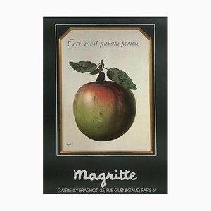 Isy Brachot - Ceci n'est pas une pomme by René Magritte