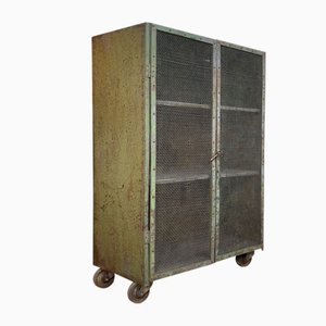 Industrieller Schrank aus Metall