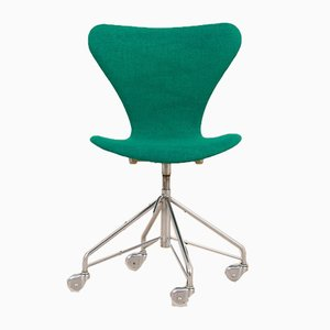Danish Series 7 3117 Chair on Caster Wheels by Arne Jacobsen for Fritz Hansen, 1967