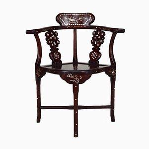 Butacas asiáticas de madera tallada con incrustaciones, principios del siglo XX. Juego de 4