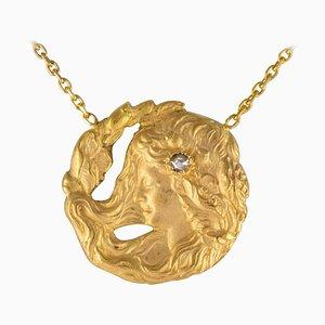 Französische Diamant und 18 Karat Gelbgold Dünne Kette mit Medaillon
