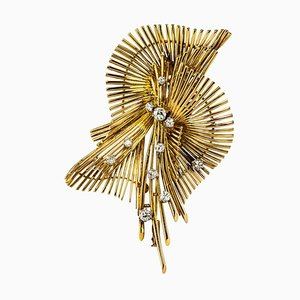 French Diamond and 18 Karat Yellow Gold Retro Brooch, 1950s