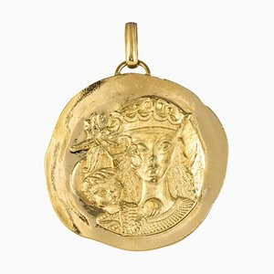18 Karat Yellow Gold Pendant Medal