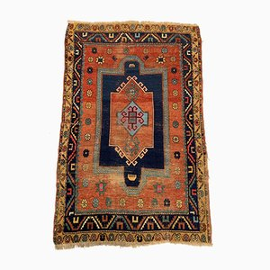 Mittelgroßer antiker Kaukasischer Kazak Teppich in Gold, Blau & Rost