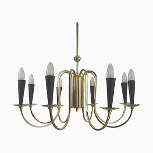 Lámpara de araña Sputnik italiana de ocho brazos y latón al estilo de Stilnovo, años 50