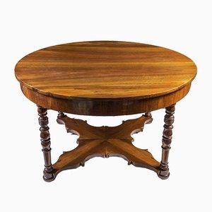 Ausziehbarer Tisch aus Nussholz
