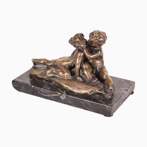 Scultura Young Love vintage in bronzo