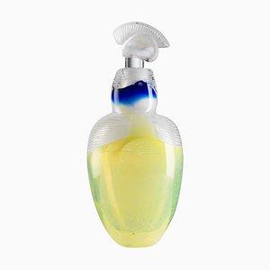 Jarrón de vidrio soplado en uranio amarillo de Juli Bolaños-Durman