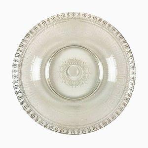 Piatto rotondo in vetro inciso, inizio XIX secolo