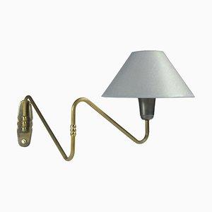 Lámpara de pared danesa de latón, años 50