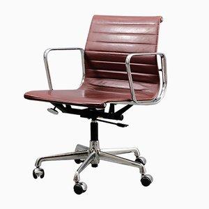 Mid-Century Modell EA 117 Drehstuhl von Charles & Ray Eames für Vitra