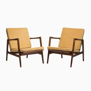 Type 300-139 Stefan Armchairs, Set of 2