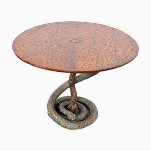 Spieltisch mit Gips Skulptur einer Python mit Bronze Waage