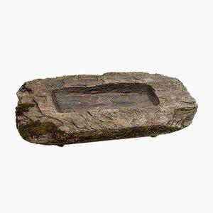 Trogolo grande in pietra intagliata, XVII secolo
