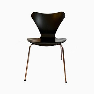 Series 3107 Chair by Arne Jacobsen
