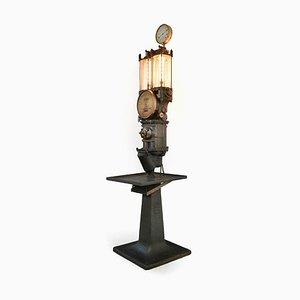 Pompa benzina vintage trasformata in lampada