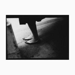 Untitled # 4, Womans Schuhe von New York, Street Photography, Giacomo Brunelli, 2017