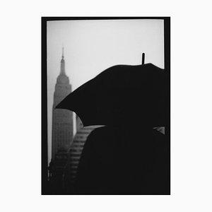 Untitled # 9, Empire State Building Regenschirm von New York, Fotografie, Giacomo Brunelli, 2018