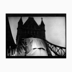 Untitled # 2, Man Tower Bridge von Eternal London, Giacomo Brunelli, 2013