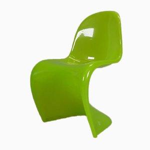 Sedia al neon verde di Verner Panton per Vitra