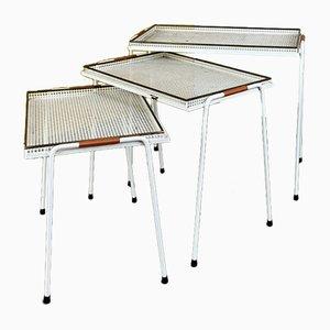Mesas nido de metal blanco de Mathieu Matégot, años 50. Juego de 3