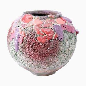 Lipstick Moon Vase von Arina Antonova