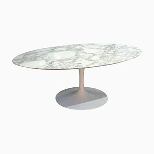 Tavolino da caffè Tulip ovale di Eero Saarinen per Knoll International
