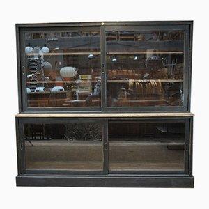 Vetrina con ante scorrevoli in vetro, anni '60