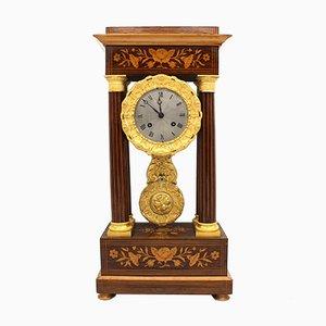 Reloj antiguo de péndulo, siglo XIX