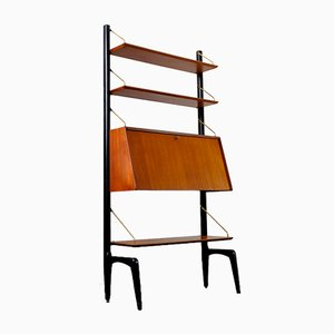 Shelves by Poul Cadovius