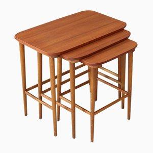 Mesas danesas vintage de teca, años 60. Juego de 3