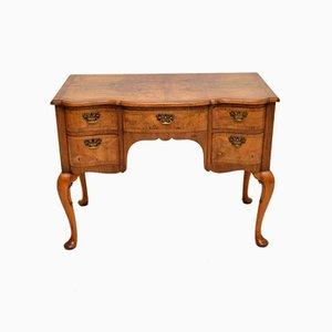 Antiker Lowboy Schreibtisch oder Frisiertisch aus Wurzel- oder Nussholz