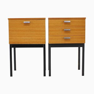 Mesas de noche minimalistas, Checoslovaquia, años 60. Juego de 2