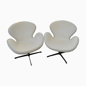 Swan White Leather Swivel Chairs by Arne Jacobsen, Set of 2