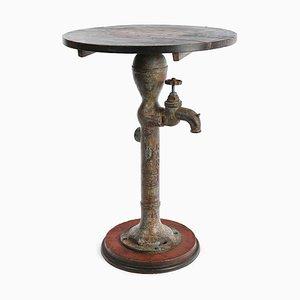 Springbrunnen aus Eisen und Holz