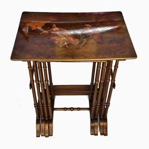 Tables Gigognes Antiques Peintes à la Main Représentant les Amoureux et les Paysages, Set de 4