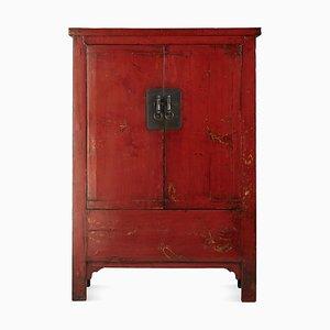 Antiker rot lackierter Hochzeitsschrank