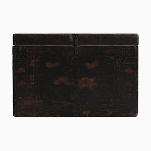 Schwarz lackierte Vintage Truhe