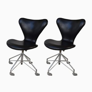 Adjustable Model 3117 Swivel Desk Chairs by Arne Jacobsen for Fritz Hansen, Set of 2