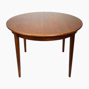 Danish Teak Round Extending Dining Table from Gudme Mobelfabrik, 1960s